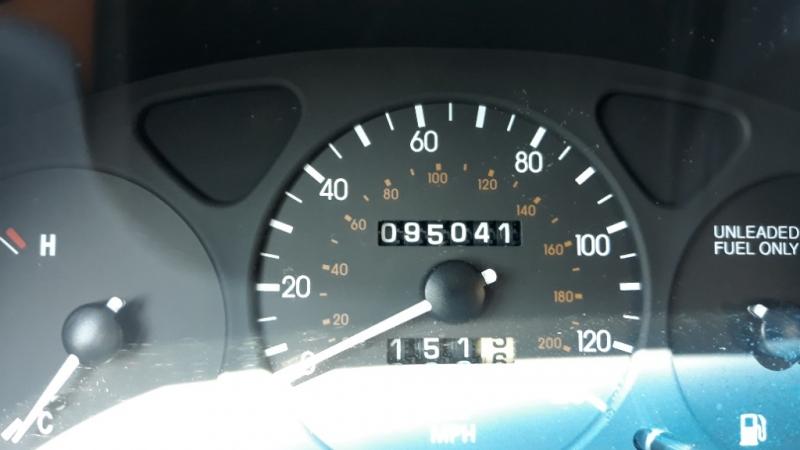 Daewoo Lanos 2002 price $1,395