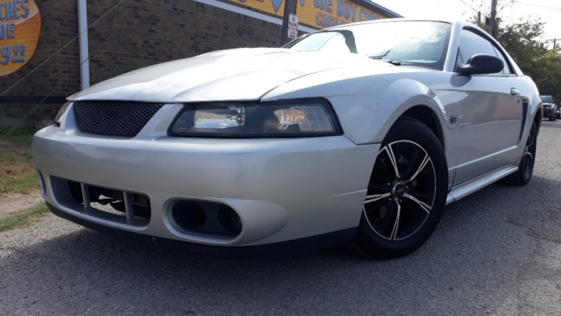 Ford Mustang 2000 price $3,250