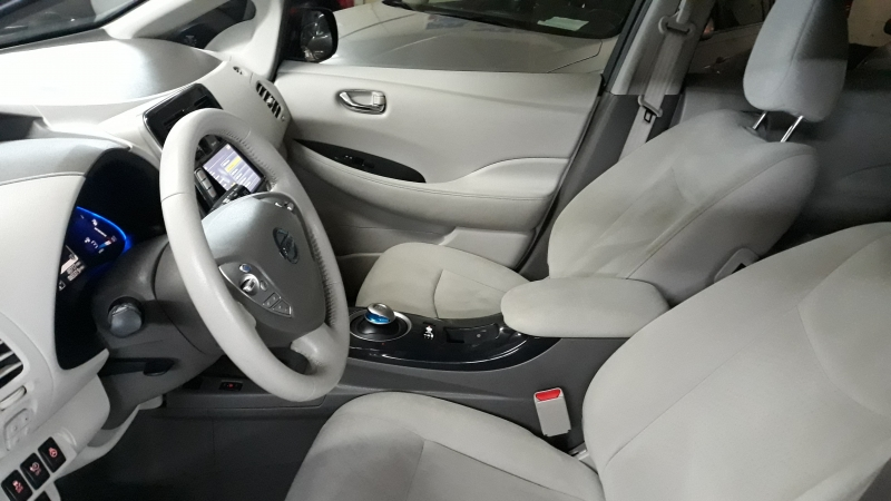 Nissan LEAF 2012 price $4,960