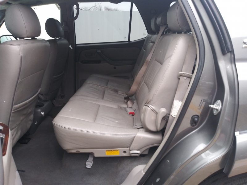 Toyota Sequoia 2005 price $3,690