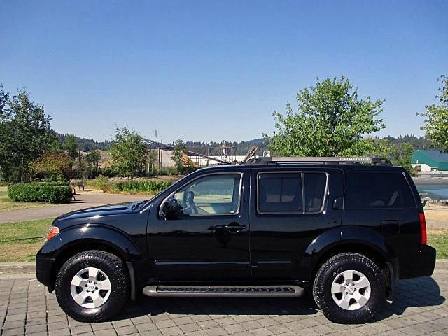 Nissan Pathfinder 2005 price $5,900