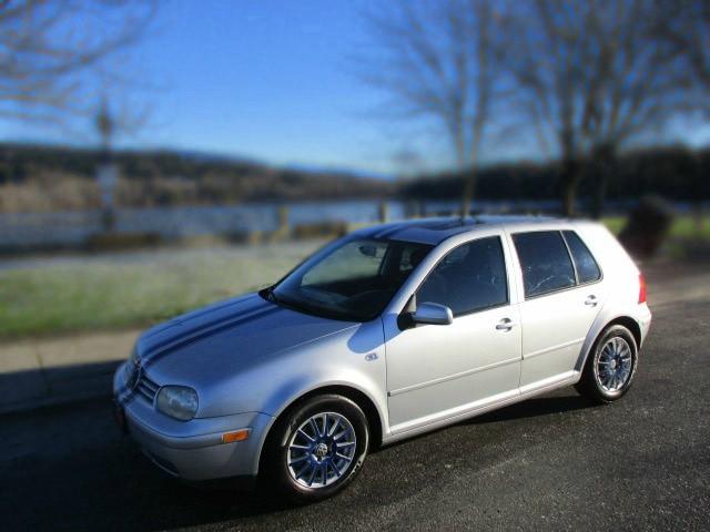 Volkswagen Golf 2003 price $1,700