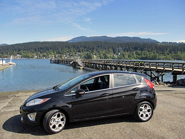 Ford Fiesta 2011 price $4,900