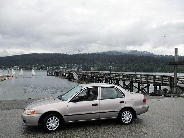 Toyota Corolla 2002 price $2,300