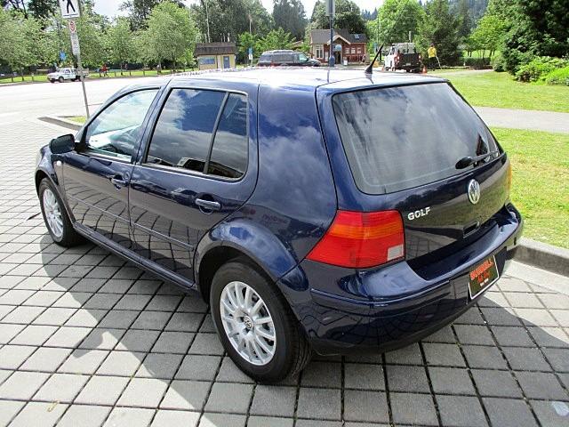 Volkswagen Golf 2003 price $2,500