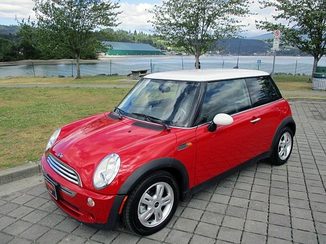 Mini Cooper Hardtop 2006 price $4,900