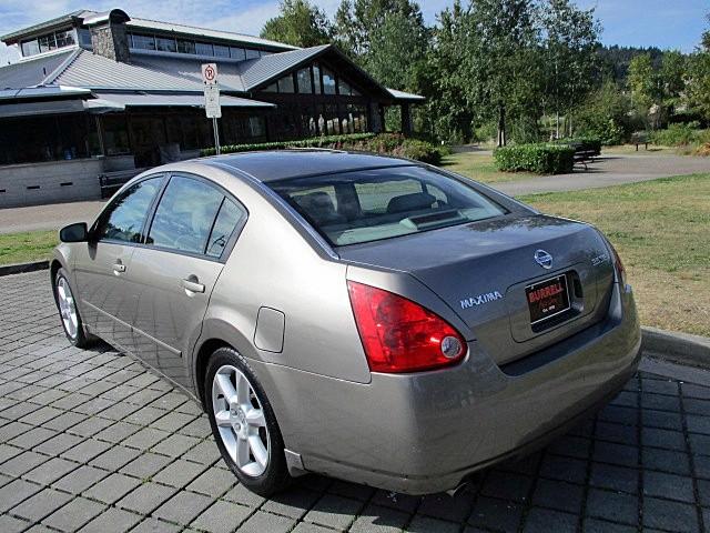 Nissan Maxima 2004 price $3,900
