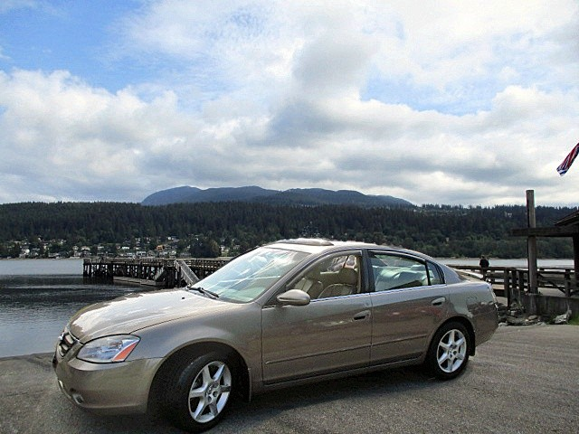 Nissan Altima 2003 price $1,900
