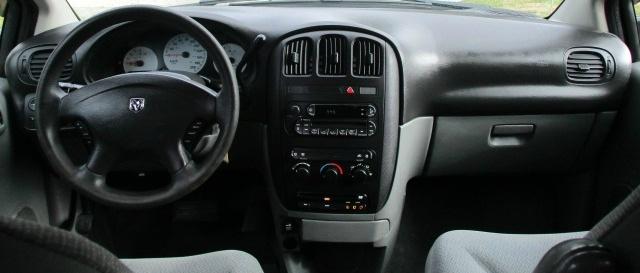 Dodge Caravan 2005 price $2,500