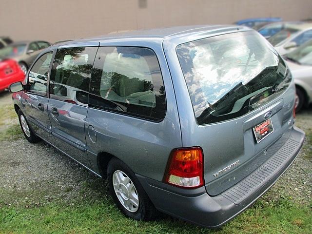 Ford Windstar Wagon 2000 price $900