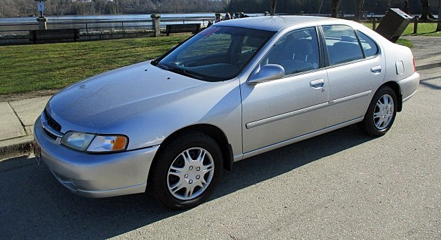 Nissan Altima 1998 price $1,900