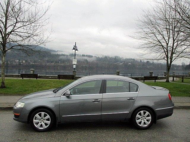 Volkswagen Passat Sedan 2006 price $3,900