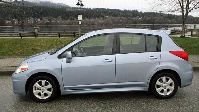 Nissan Versa 2009 price $3,900