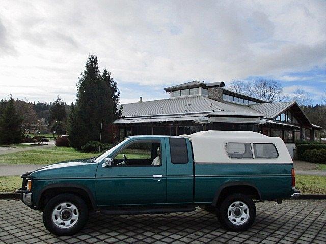 Nissan Trucks 4WD 1995 price $1,900