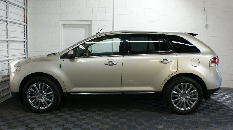 Lincoln MKX 2011 price $12,800