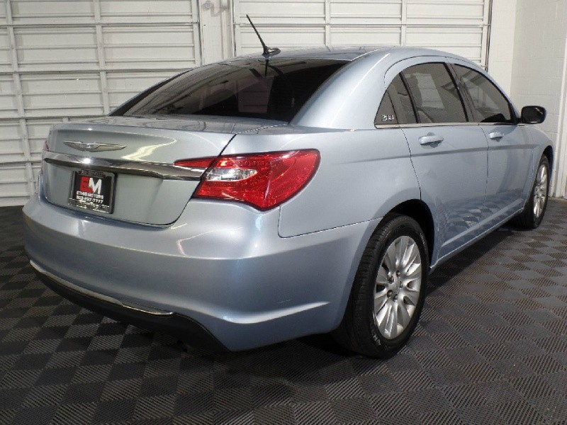 Chrysler 200 2013 price $11,980