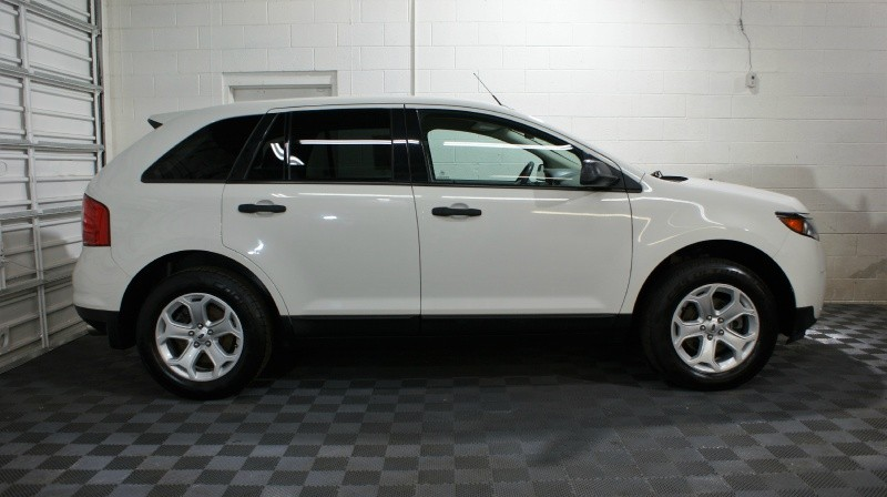 Ford Edge 2013 price $15,875