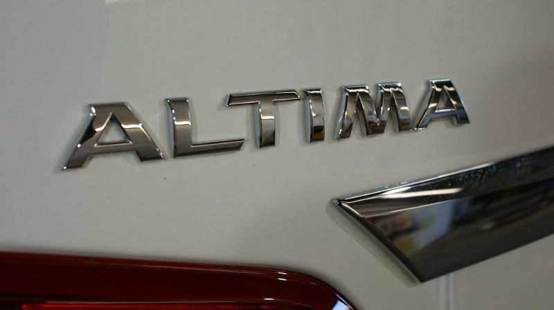 Nissan Altima 2016 price $15,980