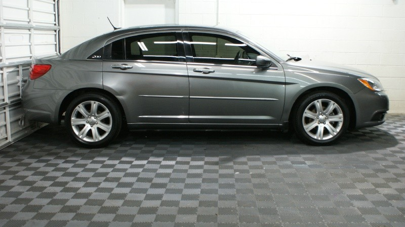 Chrysler 200 2012 price 6900 + $499(D&H)