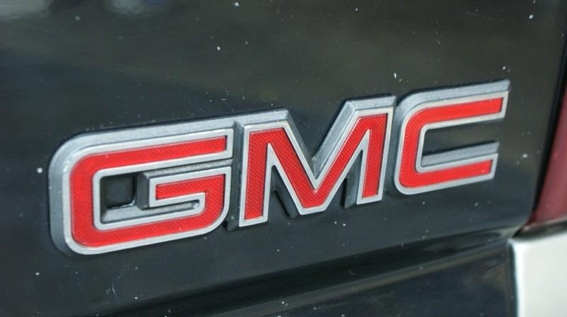 GMC Sierra 1500 2001 price $5,800
