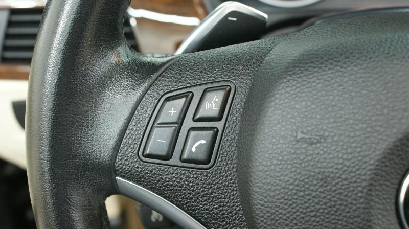 BMW 3-Series 2011 price $16,890