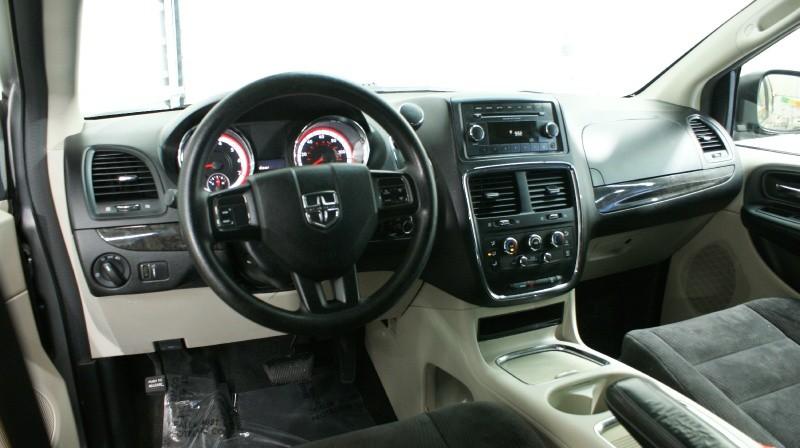 Dodge Grand Caravan 2014 price 10800 + $499(D&H)