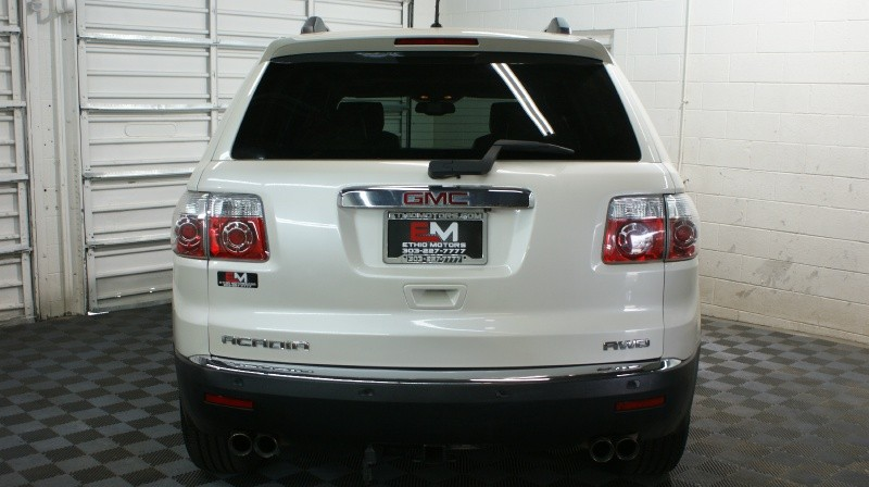 GMC Acadia 2011 price $15,900