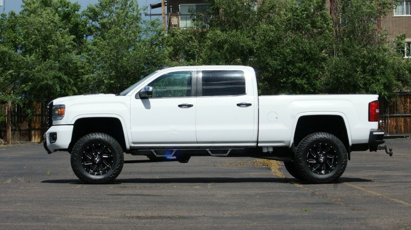 GMC Sierra 2500HD 2015 price $42,880