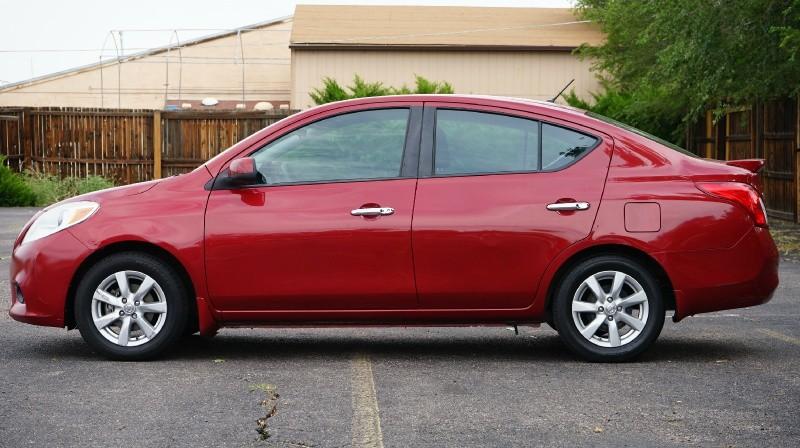Nissan Versa 2013 price $6,880