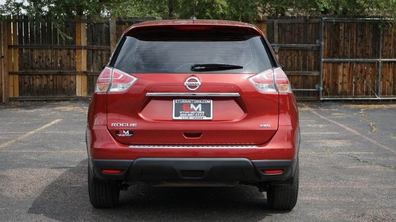 Nissan Rogue 2016 price $18,900