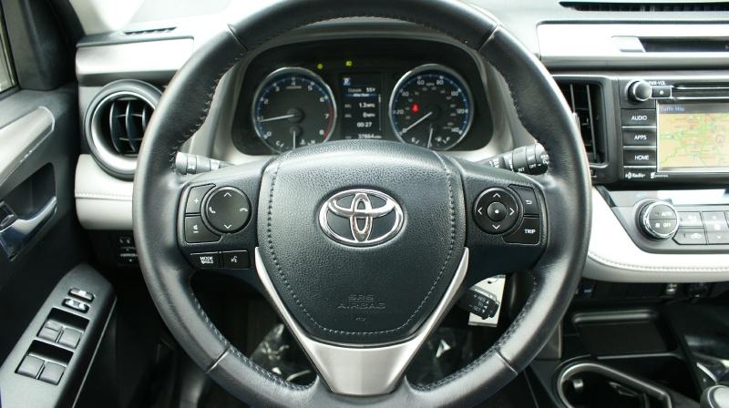 Toyota RAV4 2016 price 21880 + $499 (D&H)