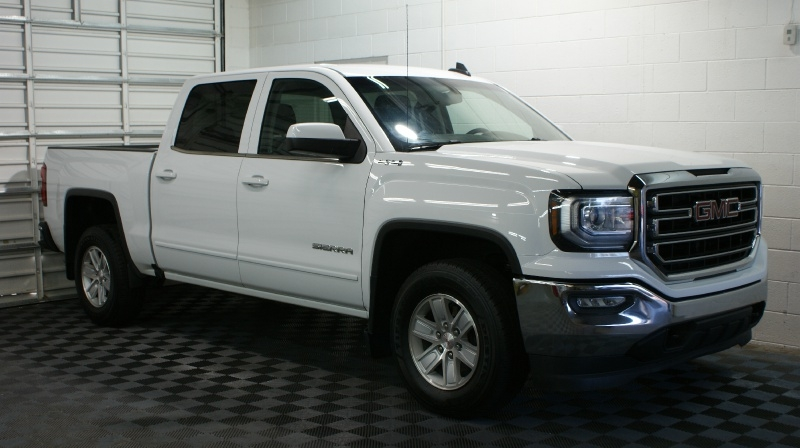 GMC Sierra 1500 2018 price 33900 + 499(D&H)