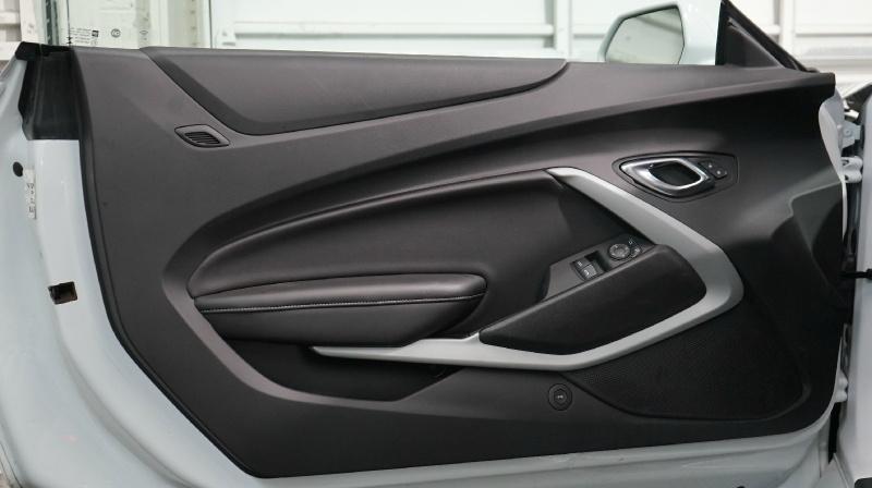 Chevrolet Camaro 2019 price 23490 + $499(D&H)
