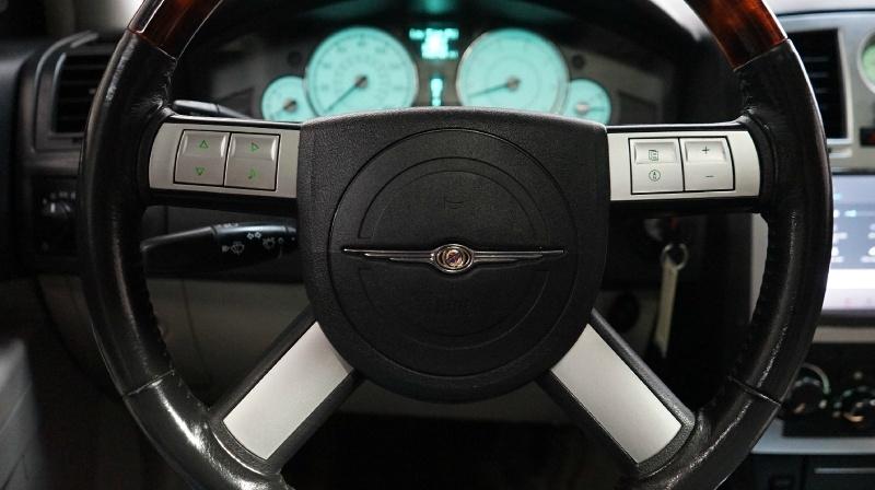 Chrysler 300 2006 price 6999 + $499(D&H)
