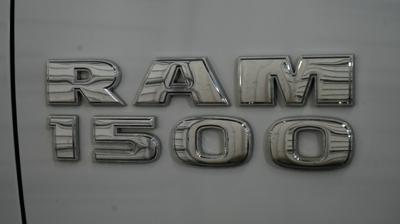 RAM 1500 2015 price 26890 + $499(D&H)