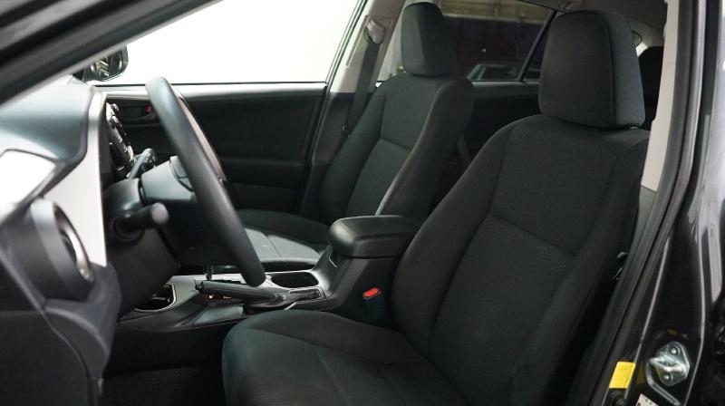 Toyota RAV4 2017 price 19400 + 499(D&H)