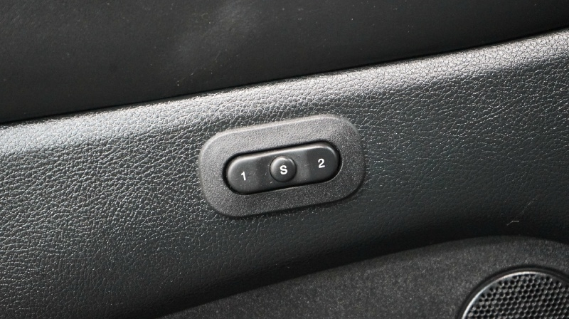 Jeep Grand Cherokee 2014 price 33900+$499(D&H)