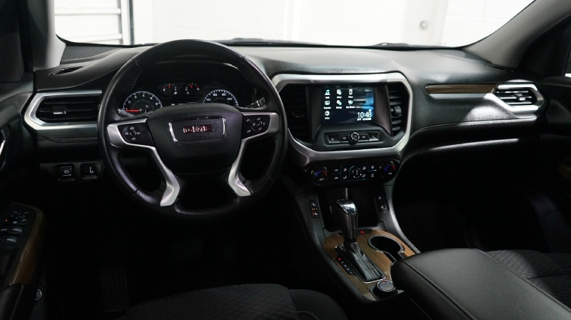 GMC Acadia 2017 price 24900 + $499(D&H)