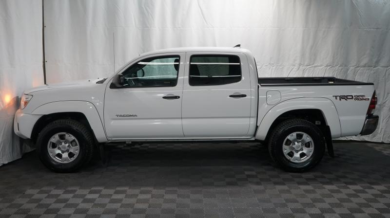 Toyota Tacoma 2015 price 24500 + $499(D&H)