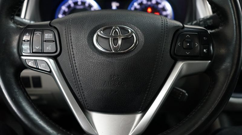 Toyota Highlander 2016 price 24800+$499(D&H)
