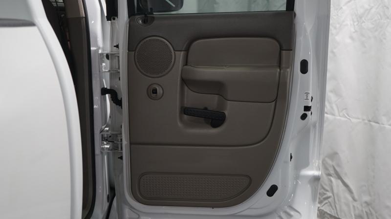 Dodge Ram 2500 2004 price 18900 + $499(D&H)