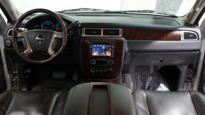 GMC Yukon 2011 price 18900 + $499(D&H)