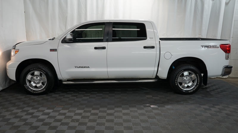 Toyota Tundra 4WD Truck 2011 price 26880+$499(D&H)