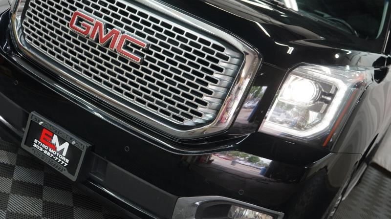GMC Yukon 2017 price 39480 + $499(D&H)