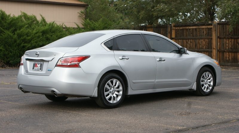 Nissan Altima 2014 price 12880 + $499(D&H)
