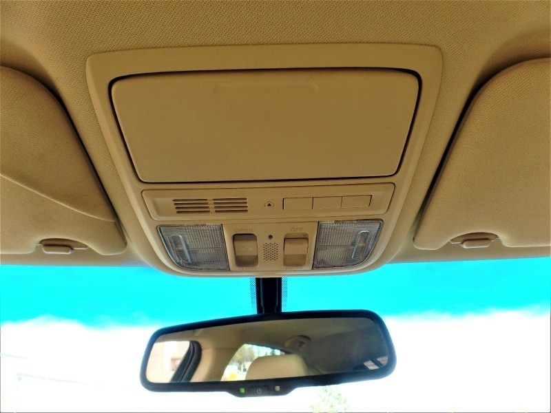 2010 Honda Accord HB photo - 2