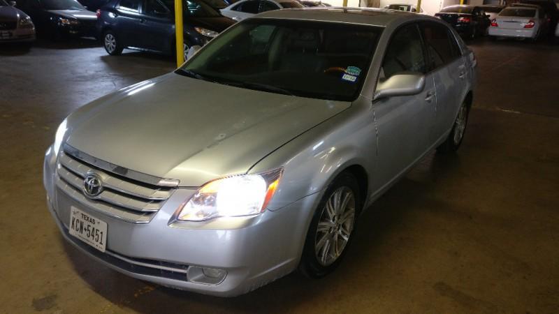 Toyota Avalon 2006 price $3,995 Cash