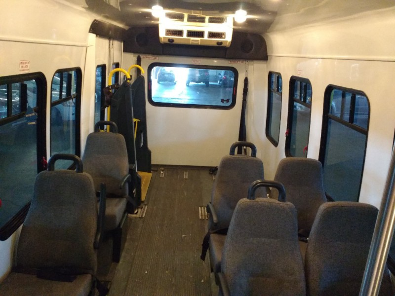 Ford Econoline Commercial Cutaway 2006 price $3,995