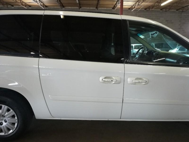 Chrysler Town & Country LWB 2006 price $2,995 Cash