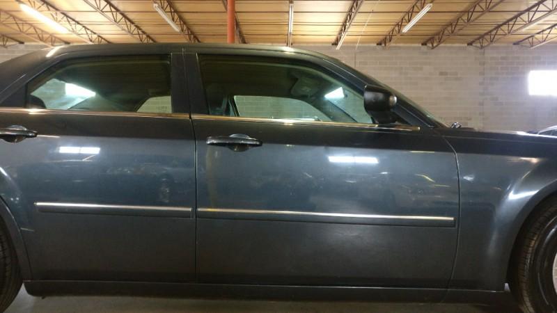 Chrysler 300 2007 price $3,995 Cash